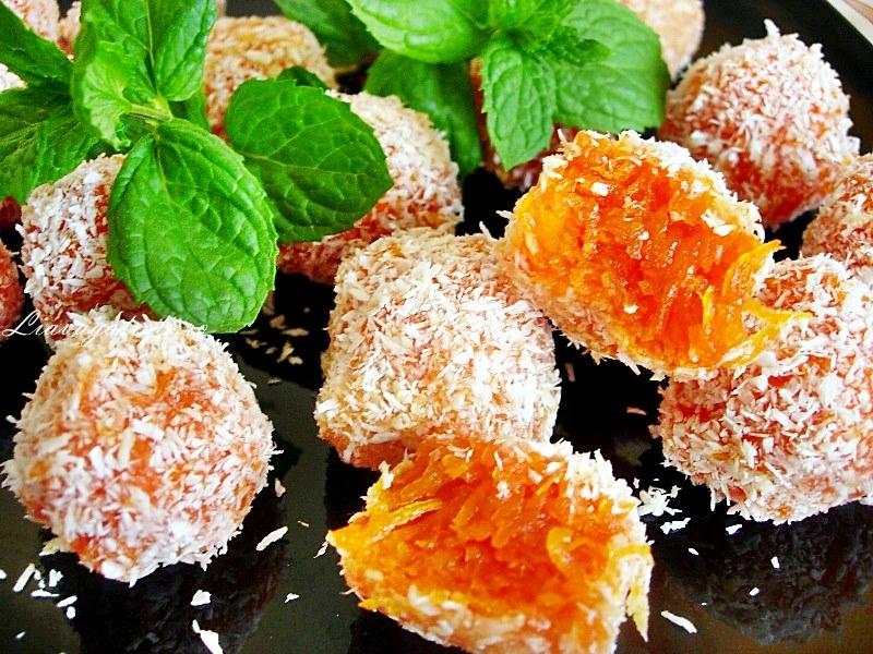 Jeleu din morcovi – Bomboane Rafaello din morcovi