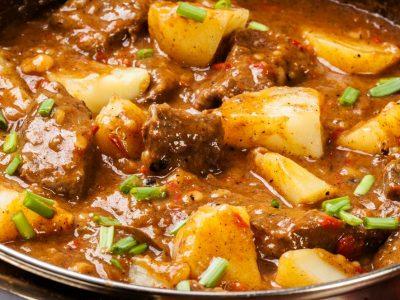 Tocanita de cartofi cu carne de vita