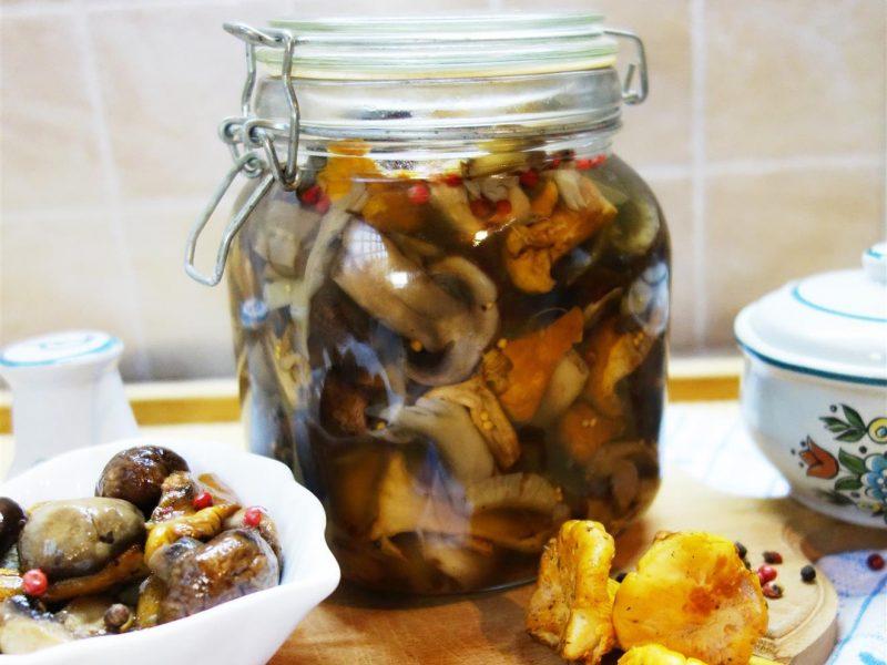 Ciuperci murate in otet cu miere