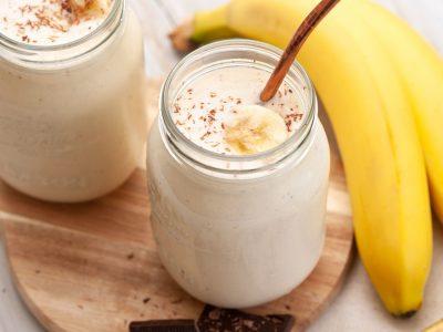Smoothie din banane si iaurt